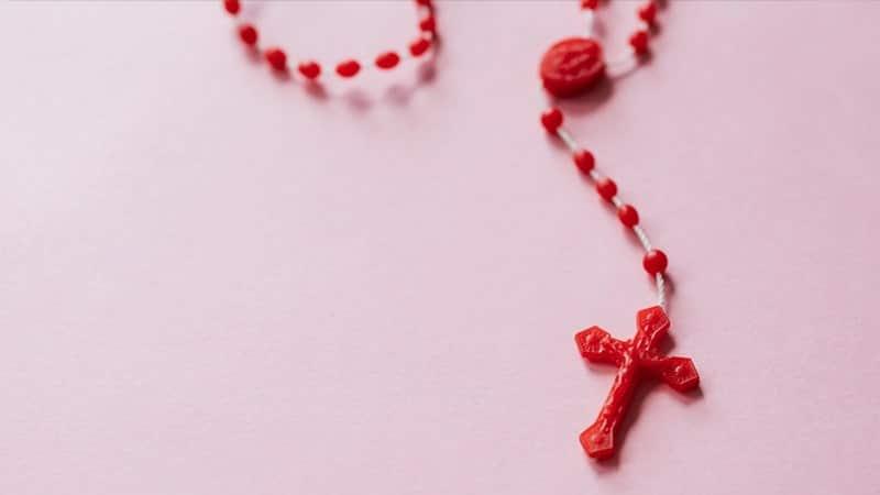 Kata-Kata Inspirasi Kristen - Kalung Salib