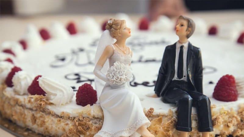 Kata-Kata Bijak Bahasa Jawa Tentang Cinta - Kue Pernikahan