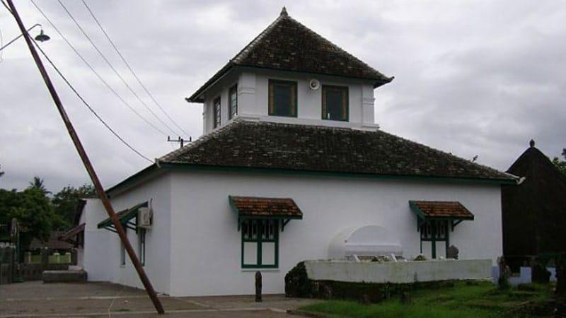 Peninggalan Kerajaan Gowa-Tallo - Masjid Katangka