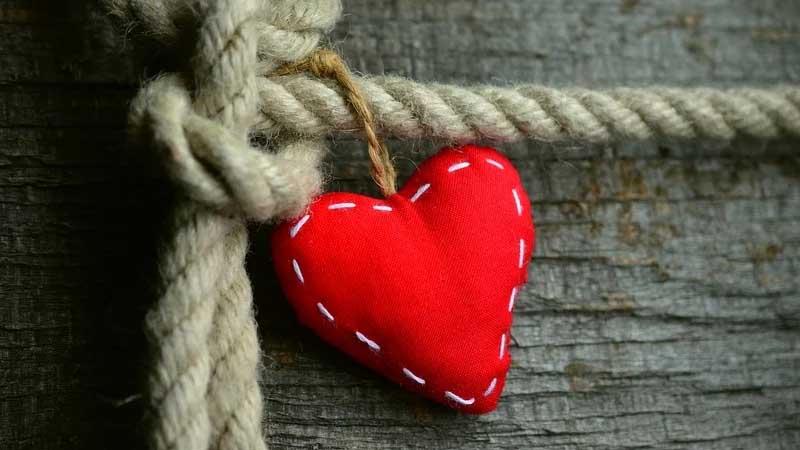 Kata-Kata Harapan Cinta - Gantungan Berbentuk Cinta