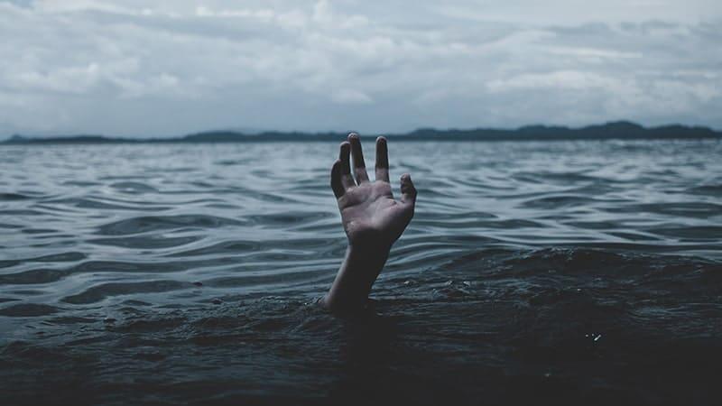 Dongeng Kembang Melati dan Kupu-Kupu Emas - Tenggelam