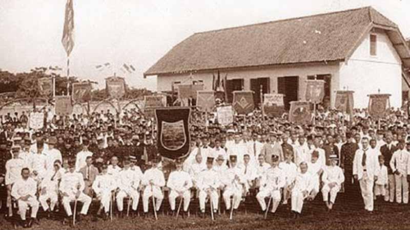 Sejarah Penjajahan di Indonesia - Pejabat Belanda
