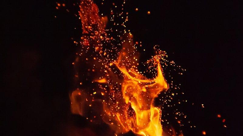 Kata-Kata Kuat Menjalani Hidup - Percik Api