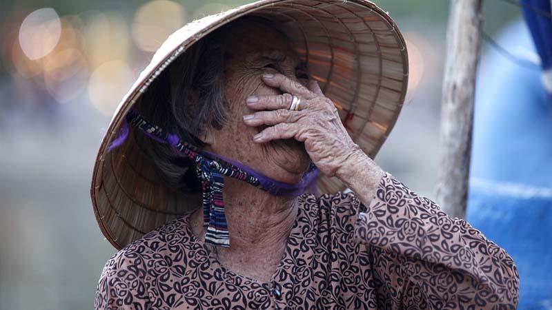 Legenda Pulau Kapal Bangka Belitung - Ilustrasi Wanita Tua
