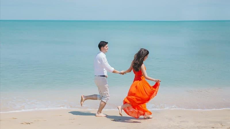 Caption Romantis buat Pacar - di Pantai