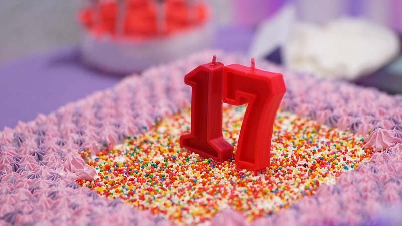 Kata-Kata Ulang Tahun untuk Diri Sendiri yang ke-17 - Kue Ultah
