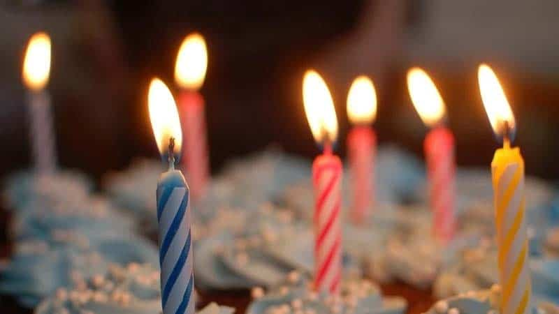 Kata-Kata Ulang Tahun untuk Diri Sendiri yang ke-17 - Lilin Ultah