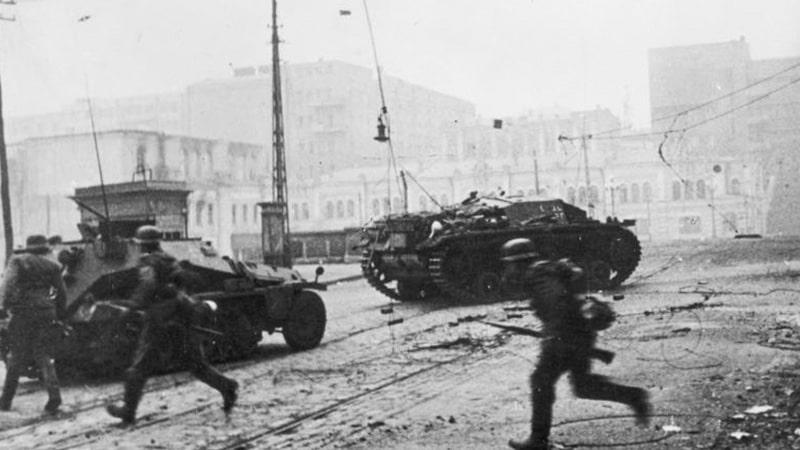 Kedatangan Sekutu dan Belanda - Perang Dunia II